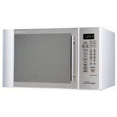 NEW Emerson 1.1 CU ft 1100 Watt Microwave Oven with Touch-Control