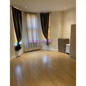 Studio To Rent Bonham Road, Brixton, London SW2 4EG.