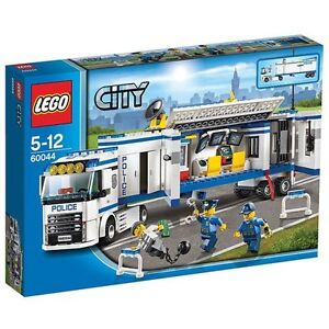 Brand new Lego 60044 - mobile police unit