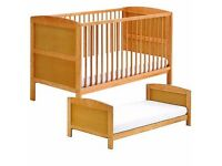 Cot that turns into bed