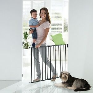 BABY SAFETY GATE - New in Box