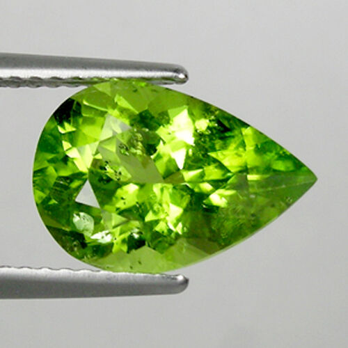 3.29 ct  LUSTROUS BEST GREEN -  NATURAL PERIDOT - GEMS - Pear - See Vdo BC