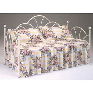 Antique White Metal Day Bed