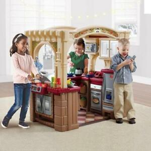 Step2 Grand Large Walk in Play kitchen with play food New in Box