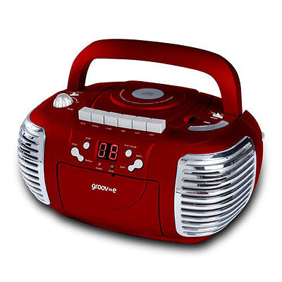 GROOV-E RETRO BOOMBOX PORTABLE CD CASSETTE AND RADIO PLAYER - RED