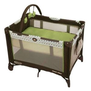 Graco bed and play area + other items sold individually
