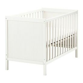 Ikea crib with mattress - excellent as new condition