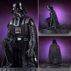 Star Wars Statues - 1:8 Scale Darth Vader Collectors Gallery Statue