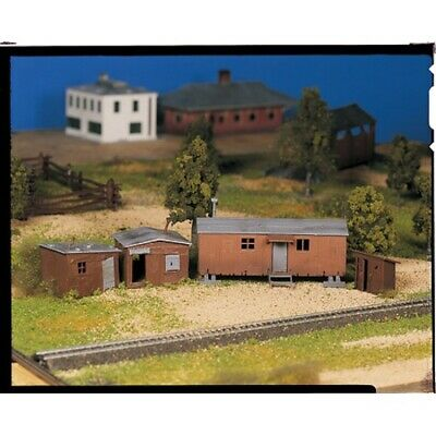 Bachmann 45983 O-Scale Hobo Jungle Assembly Kit, 4 Structures, Two-Colors
