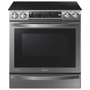 Cuisinière à induction encastrable Chef Collection avec four Flex Duo de 5,8 pi³ Samsung ( NE58H9970WS )