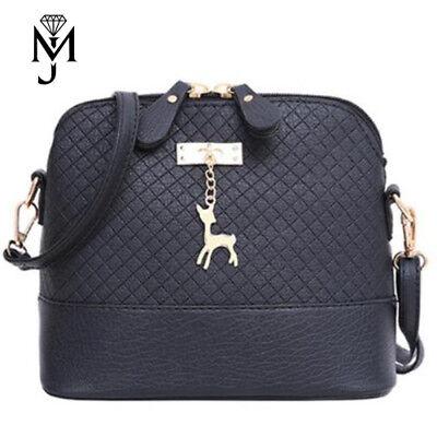 Handtasche mit Reh Anhänger Abendtasche Schultertasche Clutch Schwarz Kunstleder