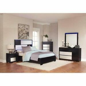 Coaster Furniture 5 Piece Bedroom Set with LED Lighted Headboard