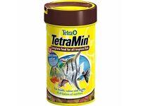 Tropical fish food (tetra tetramin )