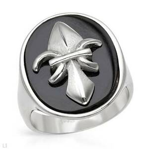 BRAND NEW RING CRAFTED IN SIMULATED BLACK ONYX AND STAINLESS STE