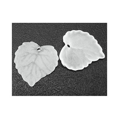 Packet 50+ White Lucite 15 x 16mm Leaf Beads HA26340