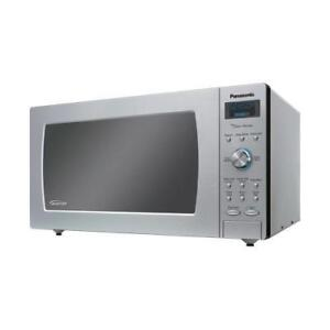 Stainless Steel 50% OFF Panasonic 2.2 Cu.Ft Microwave NNSD980S