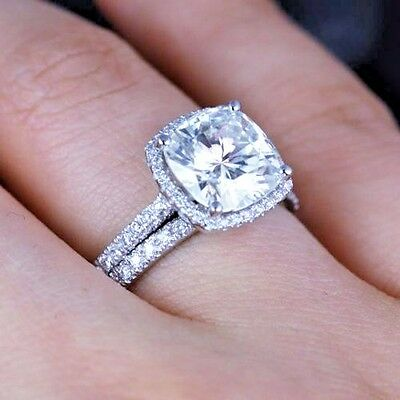 2.60 Ct Cushion Cut Diamond Halo U-Setting Engagement Ring Set H, VVS2 GIA 18K