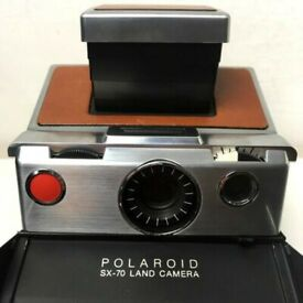 Original Polaroid SX-70 Land Camera, Model 1 with split image focusing prism