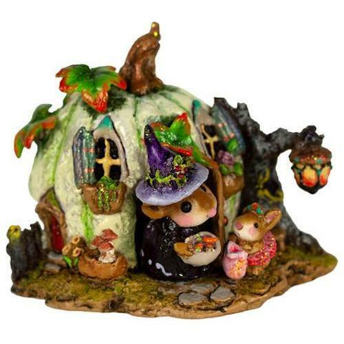 Wee Forest Folk WEE HALLOWEEN BUNGALOW, WFF# M-619a, Halloween Fall Mouse