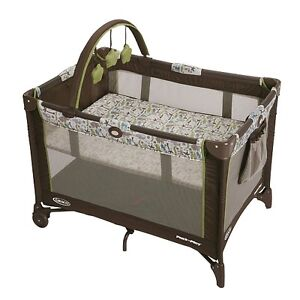 Graco Pack 'n Play On-The-Go Playard / Crib