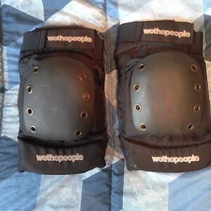 2015 WeThePeople knee pads