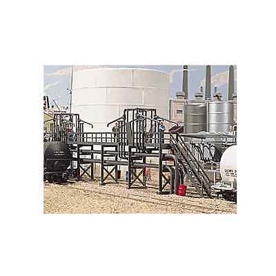 3104 Walthers Cornerstone Oil Loading Platform HO Scale