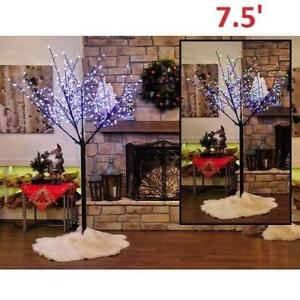 NEW 7.5' 300 LED MULTIFUNCTION TREE 558-535 212211120 HOLIDAY MEMORIES FESTIVAL OF LIGHTS INDOOR/OUTDOOR OPEN BOX