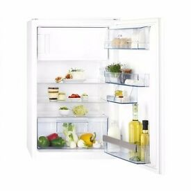 AEG SKS58840S2 Integrated Fridge with Freezer Compartment A+ Energy Rating - £230 ono BARGAIN