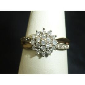 Stunning 9ct 375 Yellow Gold And Diamond Cluster Ring DIA .55ct Sz L