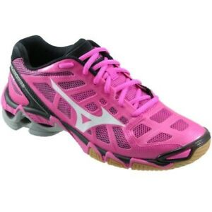 Brand New Mizuno ladies volleyball shoes 7 and 7.5