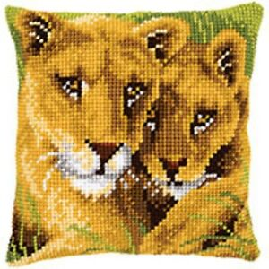 Lion-and-Cub-Vervaco-Large-Holed-Tapestry-Canvas-Cushion-Kit-PN-0145970