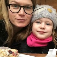 Searching for a nanny/assistant 30 hours a week