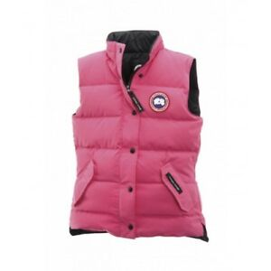 BRAND NEW WOMAN CANADA GOOSE VEST!!