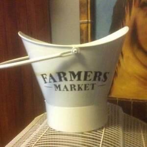 Decorative Farmers Metal Cream coloured Bucket / Tub Penrith Penrith Area Preview