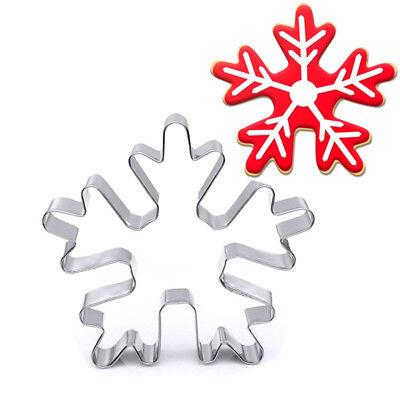 Snowflake Cookie Cutter - Metal Christmas Snowflake Gingerbread Biscuit Pastry Cookie Cutter Baking tool