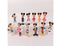 12pcs, Mini Mickey Mouse Donald Duck Minnie small toys or cake decorations