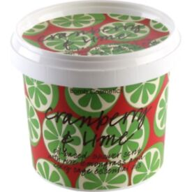 Cranberry and lime shower scrub 365ml