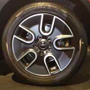 4 mags 17'' Mini Cooper avec pneus d'hiver Saguenay Saguenay-Lac-Saint-Jean image 1