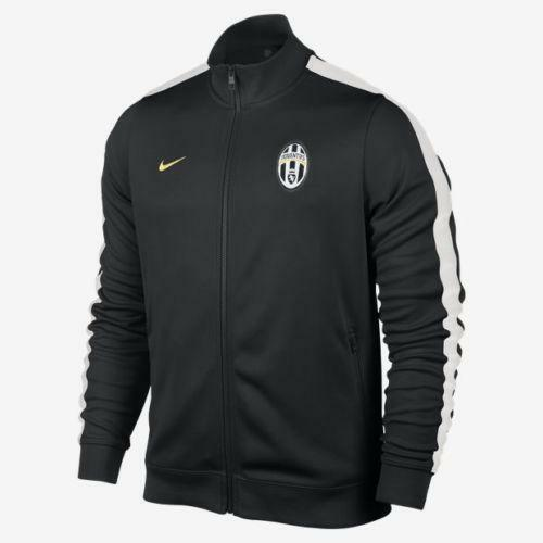 Juventus Jacket: Athletic Apparel