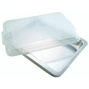 Bakeware Airbake Natural Cake Pan With Cover 13 X 9 In