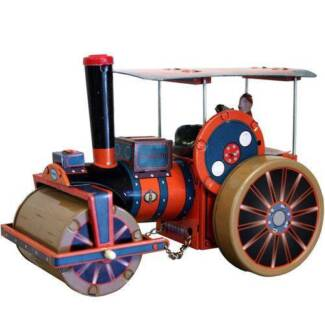TIN TOY STEAM ENGINE TRACTION
