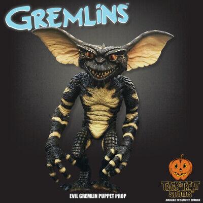 Evil Halloween Tricks (Gremlin Evil Puppet Prop Trick or Treat Studios Gremlins Green Halloween)