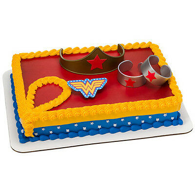 Wonder Woman 4 piece Cake Kit Decoration Supplies Party Favors - Wonder Woman Kit