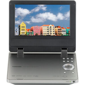 Lecteur DVD portatif Toshiba SD-P1750 usagé