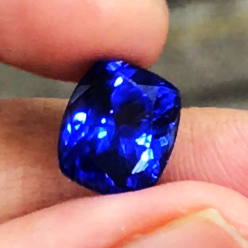 3.94cts AAA++ Color  Natural 10X8.5mm Purple  Blue Tanzanite  Loose Gemstone