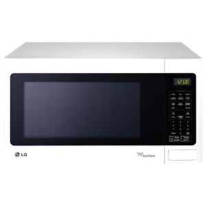 White LG 1.5 Cu. Ft. Microwave LMS1531SW