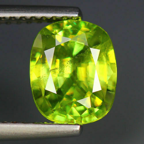 2.21 CTS_WORLD CLASS LIMITED EDITION_100 % NATURAL TITANITE GREEN SPHENE_RUSSIA