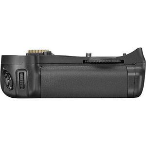 Nikon MB-D10 Multi-Power Battery Grip