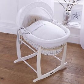 Claire de Lune White Wicker Moses basket & White Deluxe Rocking Stand
