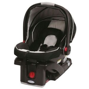 Graco Infant Car Seat with two bases in Like New Condition